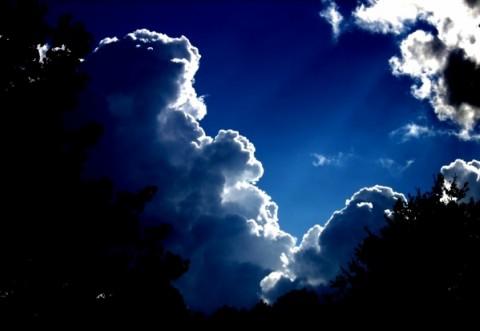 Prognoza meteo anunță câteva ploi. Cum e vremea în weekend