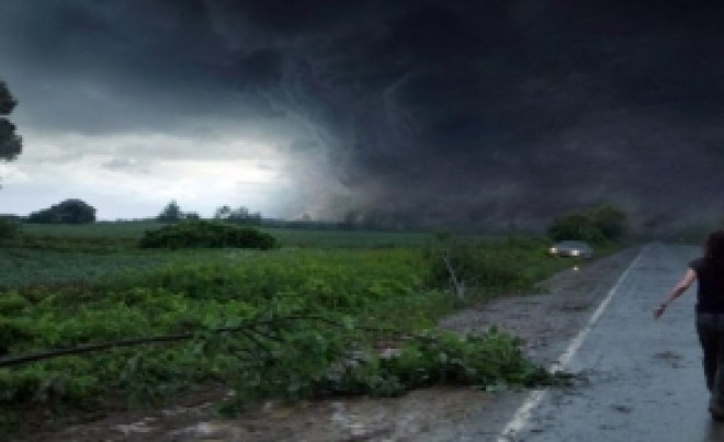 Vine URGIA: Meteorologii au emis COD GALBEN și COD PORTOCALIU de vreme rea