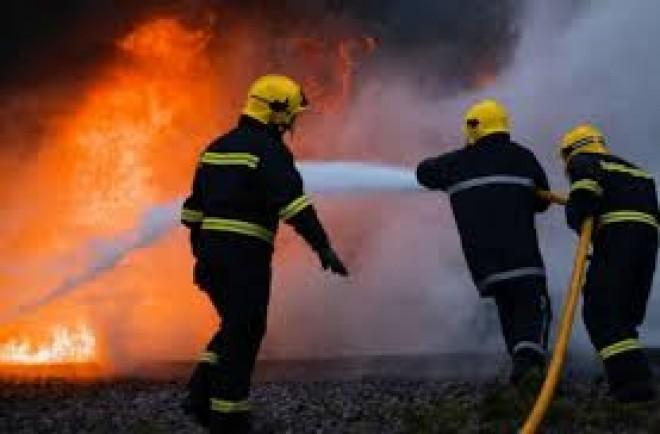 Incendiu in Cartier Albert. A ars o suprafata de 800mp