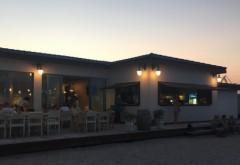 Bătaie între turişti şi ospătari, într-un restaurant de fiţe din staţiunea 2 Mai. Clientii nu au respectat dress code-ul si au venit in pantaloni scurti