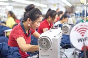 Criza de muncitori romani. Fabricile din Prahova au angajat asiatici