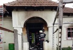 Un incendiu a mistuit casa parohiala din comuna Iordacheanu, sat Valea Cucului. Au ars sute de carti bisericesti