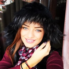 Cinci fete frumoase din Ploieşti care au ales să studieze în Bucureşti FOTO
