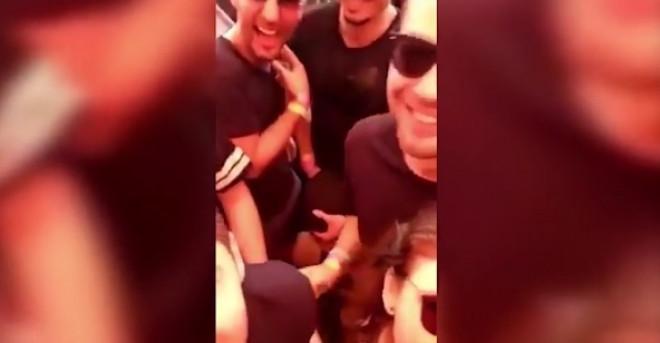 VIDEO interzis minorilor! I-a facut sex oral la Festivalul Sunwaves de la Mamaia! Prietenii faceau selfie langa ei! 18+