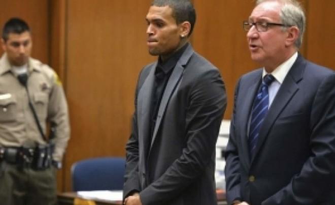 Chris Brown A VIOLAT, alături de bodyguard și un prieten, o tânără: A fost ARESTAT, la Paris, și riscă 15 ani de PUȘCĂRIE