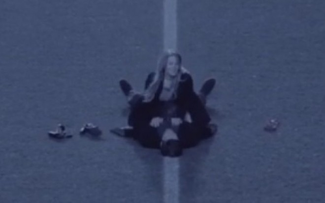 Filmati in cele mai intime ipostaze, pe un teren de fotbal. Cuplul pe care il cauta acum autoritatile britanice FOTO