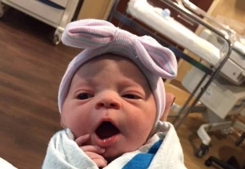 Veste mare în showbiz! Vedeta a născut înainte de termen! Să-i trăiască fetița superbă!