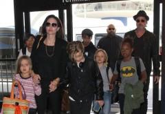 Brad Pitt a izbucnit în lacrimi când și-a văzut prima dată copiii după anunțul divorțului