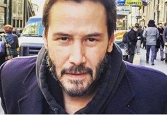 """Mesajul lui Keanu Reeves: """"Vedeți toți oamenii din spatele meu? Se grăbesc către serviciu și nu sunt atenți la nimic…"""""""