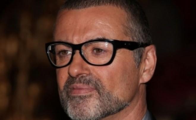 Răsturnare de situaţie: Iubitul lui George Michael susţine că artistul s-a SINUCIS