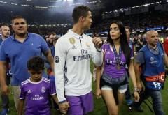 La gâtul cui a ajuns medalia de campion primită de Ronaldo după finală