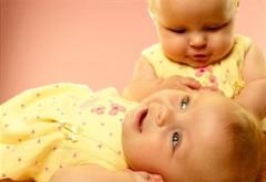 Premieră medicală: Mamă și copil, de aceeași vârstă