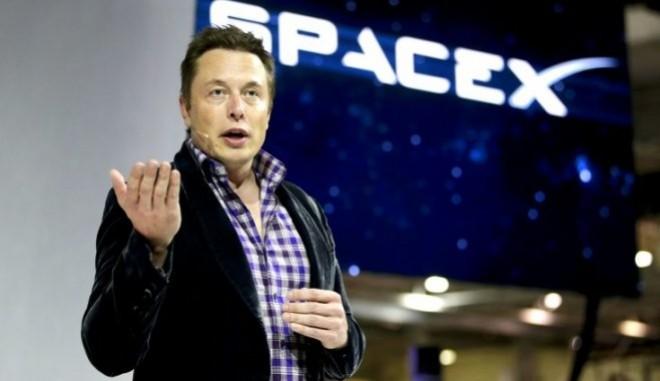 Un fum de marijuana şi o gură de whisky au determinat NASA să inspecteze SpaceX