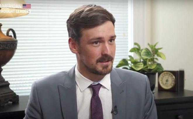 CEO-ul Parler a fugit de acasă împreună cu familia din cauza ameninţărilor