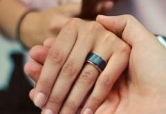 Inelul care le permite utilizatorilor să simtă bătăile inimii partenerului de viaţă