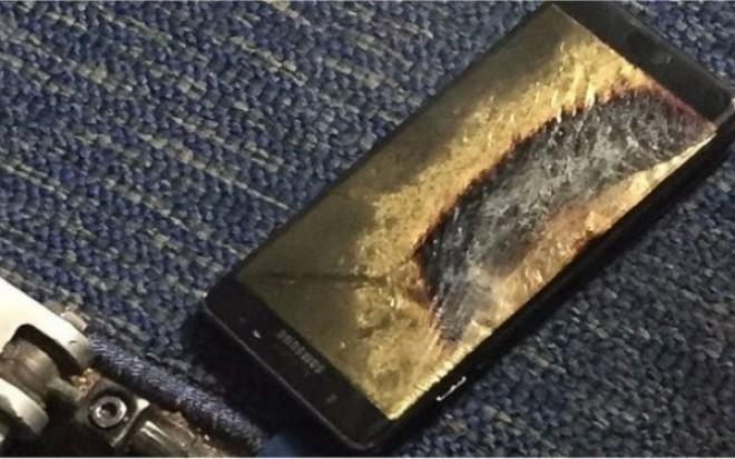 """Samsung a anuntat oficial suspendarea productiei Galaxy Note: """"Inchideti-va telefoanele"""". Un nou defect a fost gasit"""