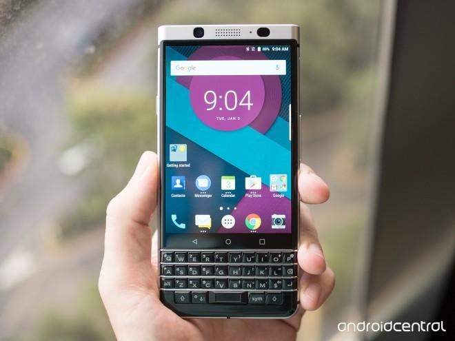 BlackBerry prezintă Mercury, ultimul telefon produs de propria divizie hardware