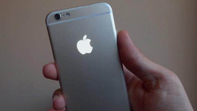 Următorul iPhone ar putea costa peste 1.000 de dolari
