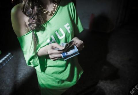 O nouă escrocherie ONLINE face victime în România. Zeci de oameni au pierdut mii de euro