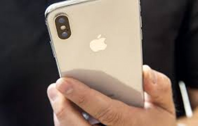 Nereguli deosebit de grave la fabricarea noului iPhone X