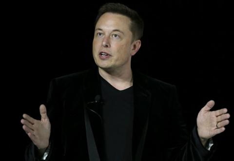 Serverele Tesla au fost accesate de hackeri şi folosite pentru a mina monede virtuale