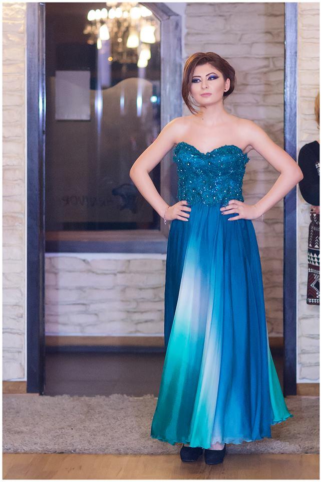 Click pentru a mari imaginea rochie.jpg