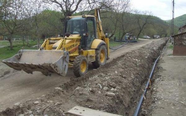 Va fi extinsa reteaua de canalizare in Azuga, Busteni si Sinaia