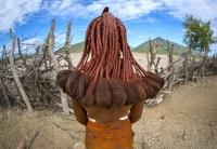 Tribul care a uimit lumea cu coafuri spectaculoase. Femeile sunt tulburator de frumoase