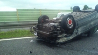 Grav accident pe Autostrada Bucuresti-Ploiesti. O masina s-a rasturnat, o persoana incarcerata