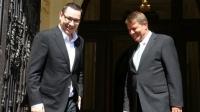 SONDAJ: Victor Ponta l-ar ÎNVINGE pe Klaus Johannis în turul II al prezidenţialelor: 55% la 45%
