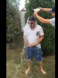 VIDEO Incredibil! Nimeni nu se astepta ca si el sa faca asta! Florin Salam a acceptat provocarea Ice Bucket