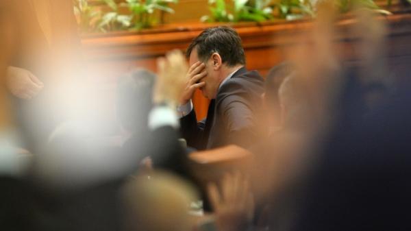 Mega-țeapă luată de PNL: a fuzionat cu un partid aflat în dizolvare la Tribunal