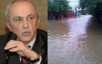 """Prahovenii ii cer ajutorul lui Mircea Cosma. """"Apa a măturat tot. Nu mai găsim nimic"""""""