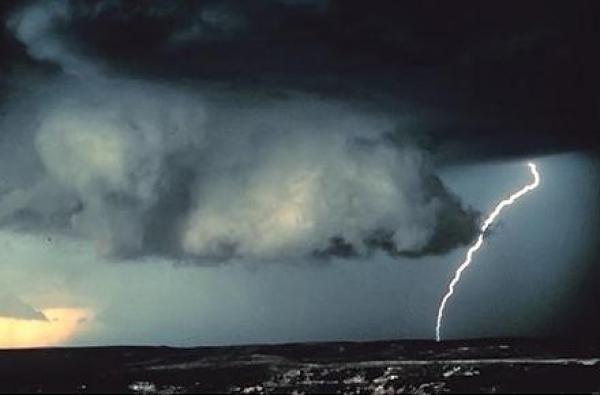 Noi avertizari de vreme rea: cantitatile de apa vor depasi, izolat, 50 de litri pe metru patrat. Prognoza meteo pana duminica