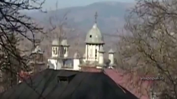 Record INCREDIBIL. Un sat din Prahova are 28 de biserici VIDEO