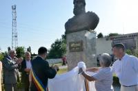 Bustul regelui Decebal, dezvelit in prezenta autoritatilor judetene
