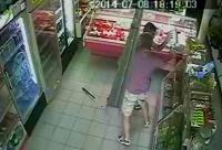 VIDEO INCREDIBIL/ Traficantii de droguri care s-au impuscat la Complexul Mic, FILMATI de camerele de supraveghere ale unui magazin
