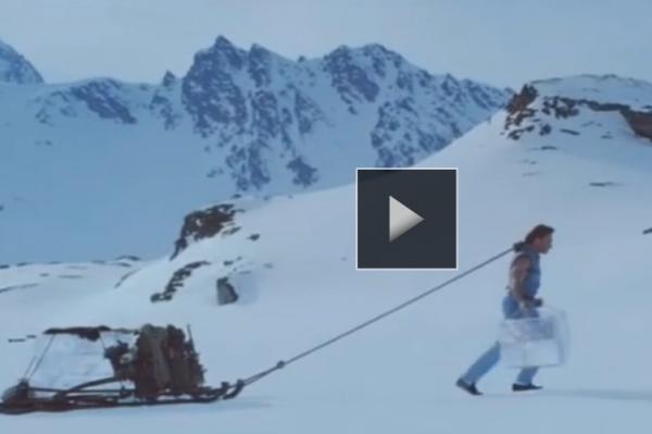 VIDEO Van Damme UIMESTE din nou! O noua reclama EPICA, filmata in muntii din Romania! Ce nebunie face de data asta
