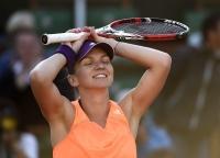 Simona Halep e în FINALĂ la Roland Garros. Va lupta cu Sharapova pentru primul titlu de Grand Slam