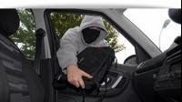 Hoţii au o nouă metodă sigură prin care fură din maşini. Vezi cum să te fereşti