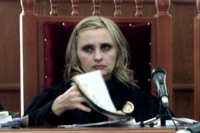 O judecătoare arestată pentru că ar fi luat mită s-a căsătorit la penitenciarul Targsor
