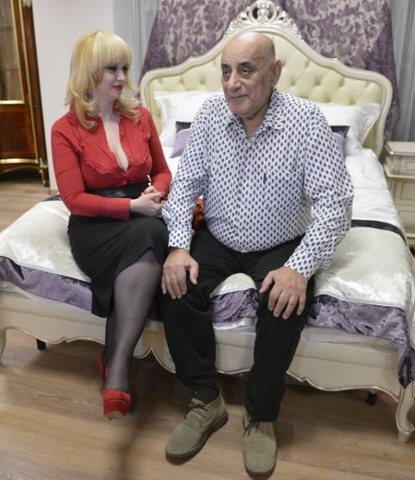 Uite cum arata prima sotie a lui Virel Lis pe care A INSELAT-O cu Oana