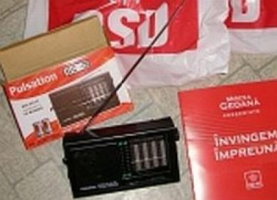 PSD Prahova a dat azi pungi de cadouri în Ploieşti