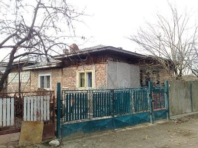 Reportaj - La Drajna, bătaia lui Băsescu nu contează, pentru că n-a fost la pizzerie