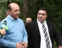 "CUTREMUR in lumea ""buna"": Bercea tinea o agenda cu datoriile. Lui Basescu i-a dat 6 MILIARDE in campania din 2009"