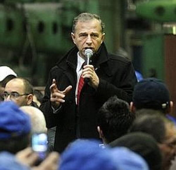 """Mircea Geoană: """"Boc şi Băsescu vor să mărească TVA"""""""