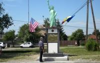 Poveste ca-n România. Cum a ajuns orăşelul Boldeşti-Scăeni să aibă Statuia Libertăţii din New York