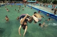 25 de piscine, ştranduri şi bazine din Prahova, verificate de inspectorii OPC