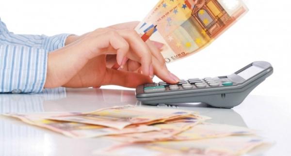 Lege: Romanii isi pot schimba creditele in valuta pe care o doresc