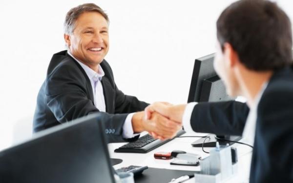Reţeta unei afaceri de succes sau cum poţi deveni antreprenor după 40 de ani. Sfaturile unui consultant în start-up-uri
